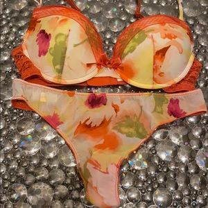 NEW PEACH COLOR FLOWER BRA AND MATCHING THONG SET